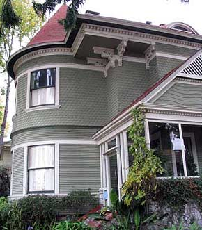 Victorian home at 304 Walnut Street, Santa Cruz, California