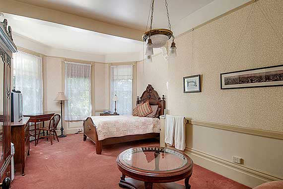 Hinds House room 3